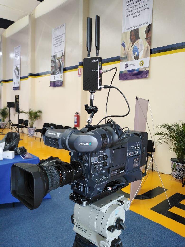 ¡ADIÓS A LOS CABLES! Sistema de cámara inalambrica.  Redes sociales. fb: @BurstComMexico tw:@BURSTMX in: BURST COM SA DE CV #producción #camara #cameraoperator #filmproduction #filmando  #detrasdecamaras #paraquemexicofilmemas #Panasonic, #BURSTCOM, #burst, #negocios, #burstCompic.twitter.com/NALKf4r2y3