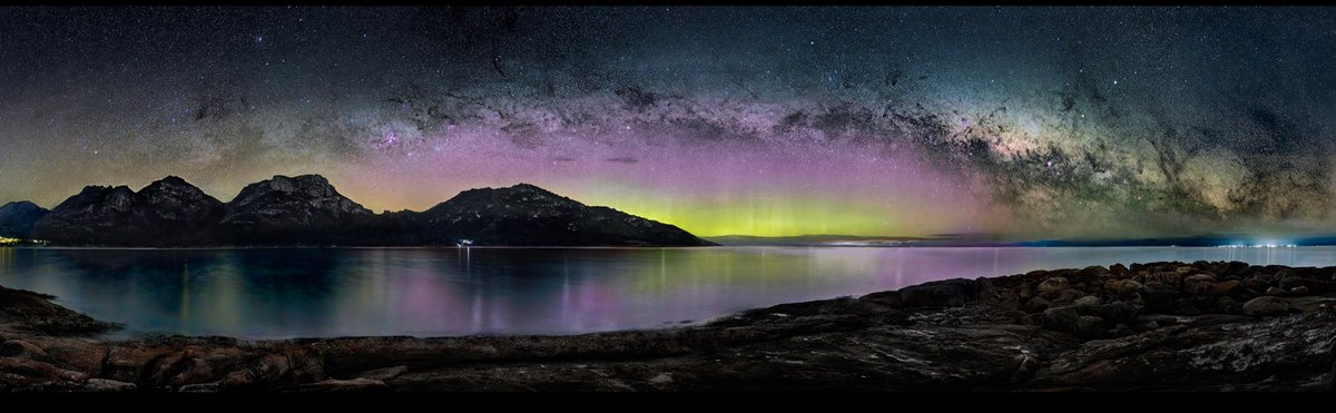 A nice little aurora/Milky Way combo from Coles Bay on Tasmania's Freycinet Peninsula.   #StormHour #POTW @StormHour