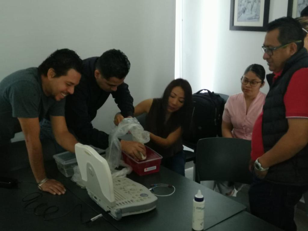 Nuestro personal en constante capacitación. Práctica de accesos vasculares guiados por ultrasonido. Dr Julio César Ramirez Morales. Medicina Interna y Medicina Crítica. #HospitalSanLucas #medicina #Oaxaca #TuSaludNosMuevepic.twitter.com/JwItOAKe6D
