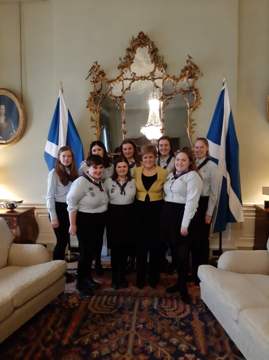 Our Speak Out champions had the most amazing time with First Minister @NicolaSturgeon today discussing everything from the @Girlguiding #PlasticPromise campaign and how to get into politics, to dealing with online abuse!