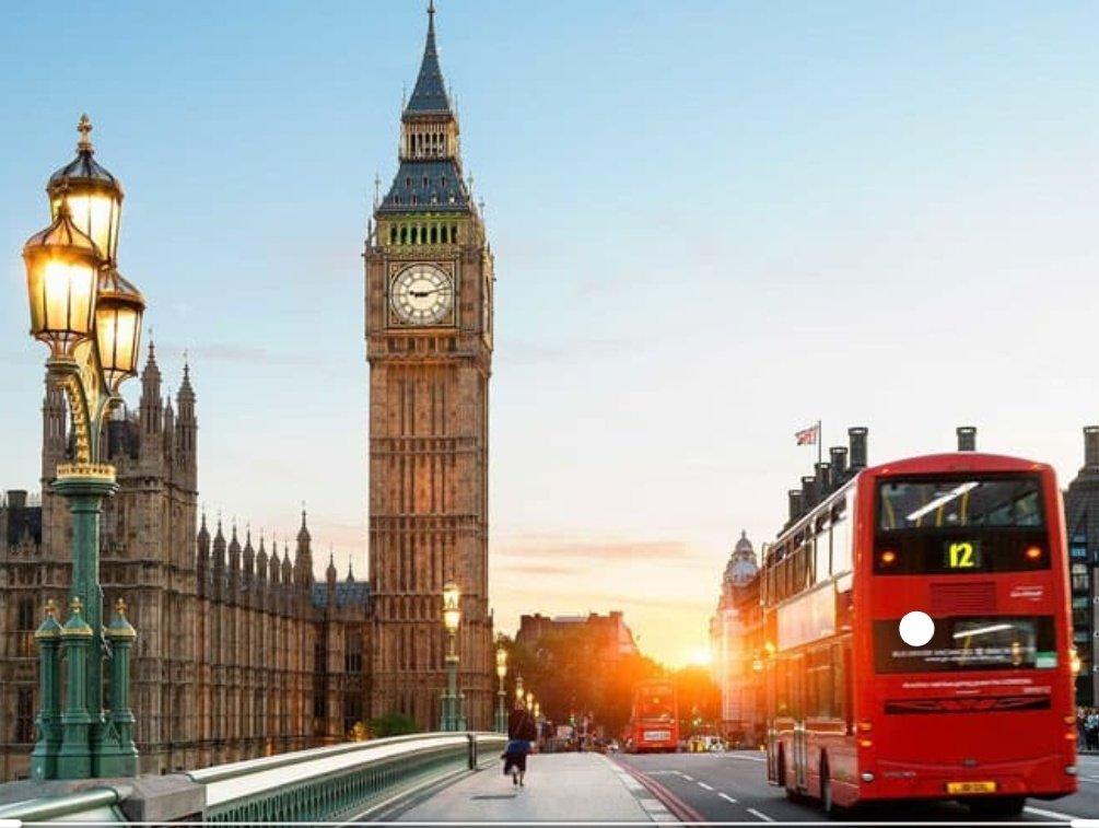هي ليست فقط مدينة الضباب.... هي مدينة التاريخ والعلوم والفنون والجمال   @RosieDyasUK  @FCOArabic  #المنبر_البريطاني_للمؤثرين_العرب