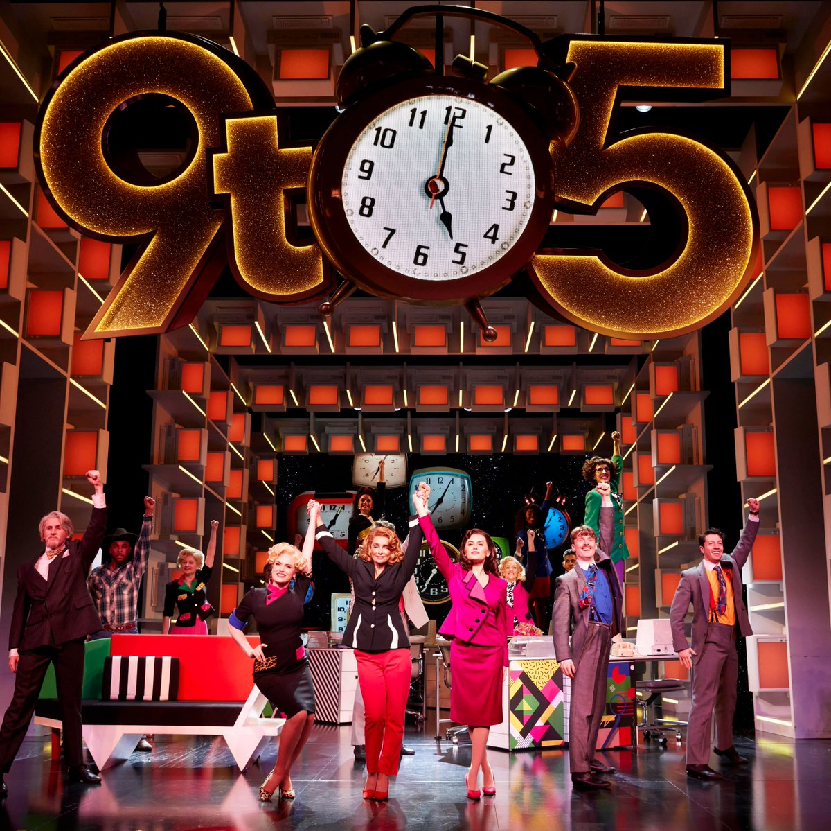 **SPECIAL OFFER ALERT, Y'ALL! 9 to 5 THE MUSICAL** Tumble outta bed and stumble to Dolly Parton's rip-roaring West End musical! SAVE UP TO 47% Tickets from £25 - Book here > http://bit.ly/37QTiU4  Photos by Pamela Raith Photographypic.twitter.com/0Me1RDaGEV