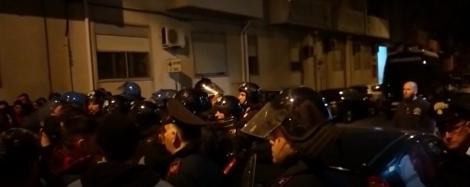 Omicidio di Terrasini, tensione davanti alla caserma dei carabinieri - https://t.co/wCj89fft7o #blogsicilianotizie