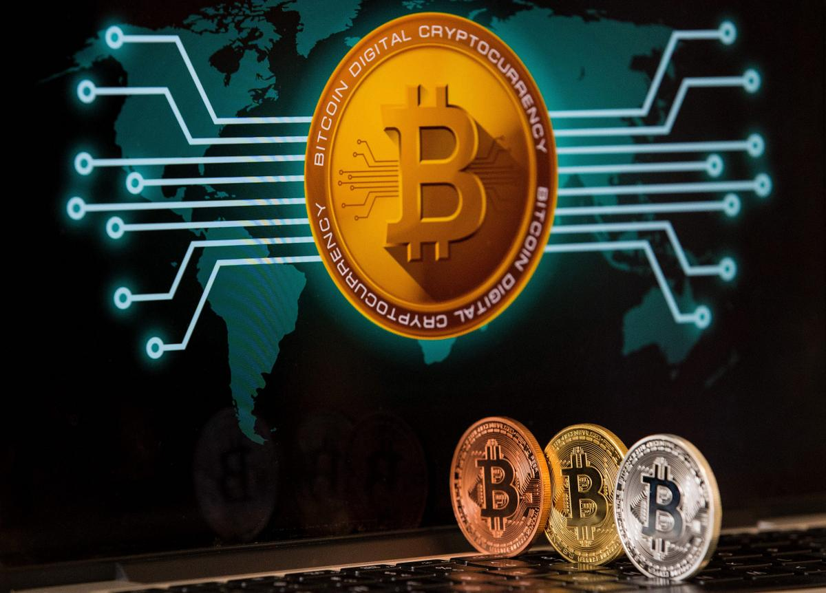 The next Bitcoin (BTC) halving is scheduled to take place less than three months from now and crypto investors have debates over whether this event will be bullish or not. #bitcoin https://www.ibtimes.com/bitcoin-price-drop-halving-analysts-predict-2927701 …pic.twitter.com/GJIsKaLzEz