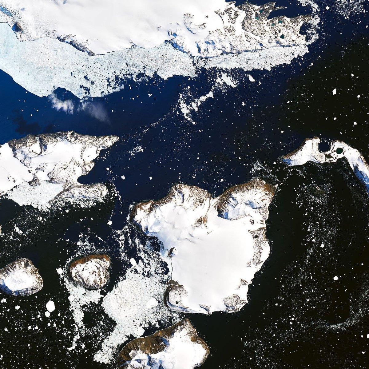 обнажалась фотографии антарктиды с китайского спутника мне кажется, что