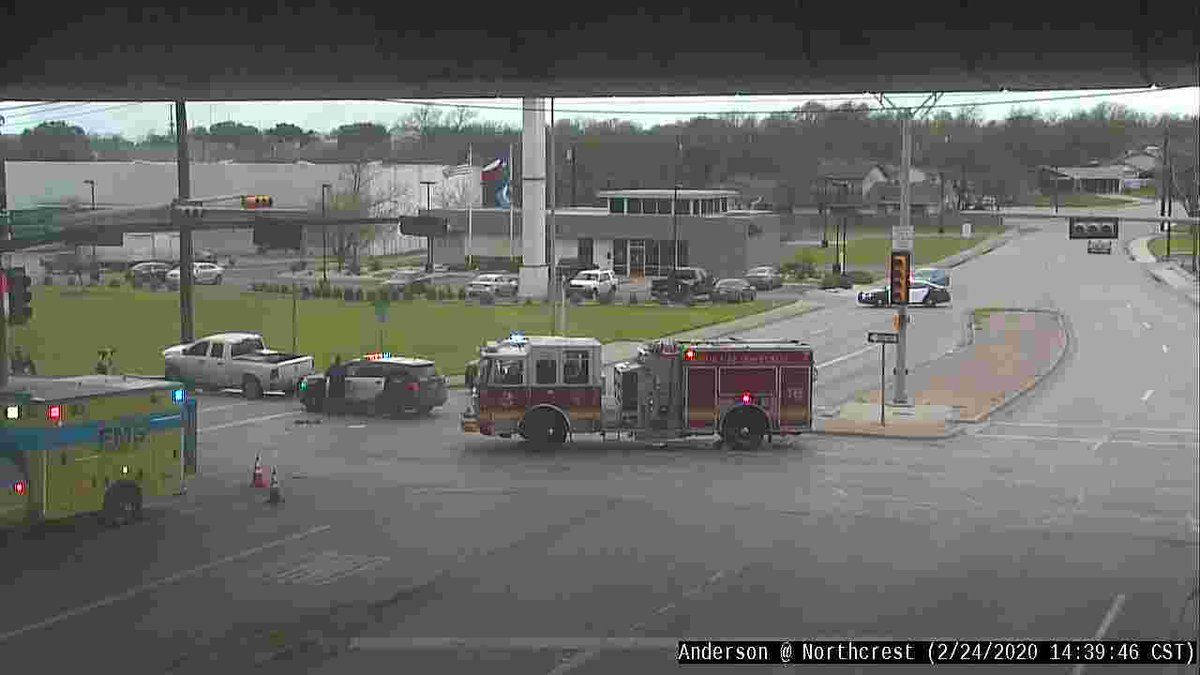 Crash at Anderson & Northcrest has cleared.  All lanes are now open.  Drive safely!  #atxtraffic