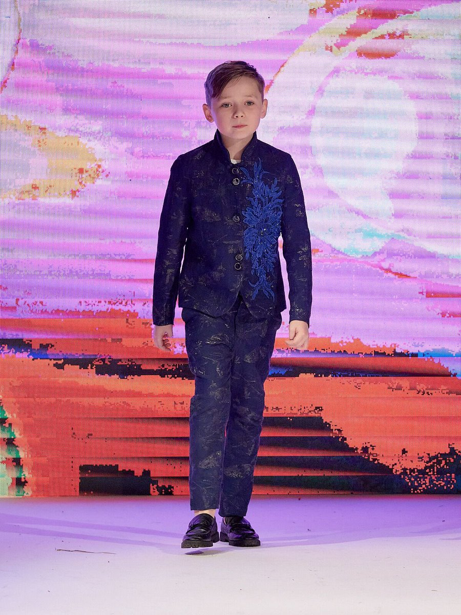 I had the honour of walking @HouseofiKons for #AtheaCouture at @MillenniumGLOU last week. I'm so proud to have been part of such an amazing show, congratulations to @ladykmedia & team! #FashionWeek #london #childmodel #modellife #childactor #photographypic.twitter.com/VkAqT7hAKB