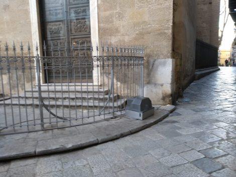 Televisore abbandonato davanti la chiesa di San Francesco d'Assisi - https://t.co/NnCnxNTH2y #blogsicilianotizie
