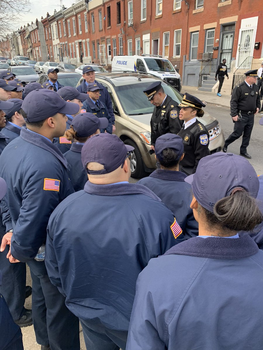 While walking the area of Kensington & Allegheny to show our recruits the harsh reality of the opioid epidemic, our very own Police Commissioner was in the area for the same thing. @PPDVJohnson @PPDSteveClark @PhillyPolice @PPD25Dist @PPD24Dist