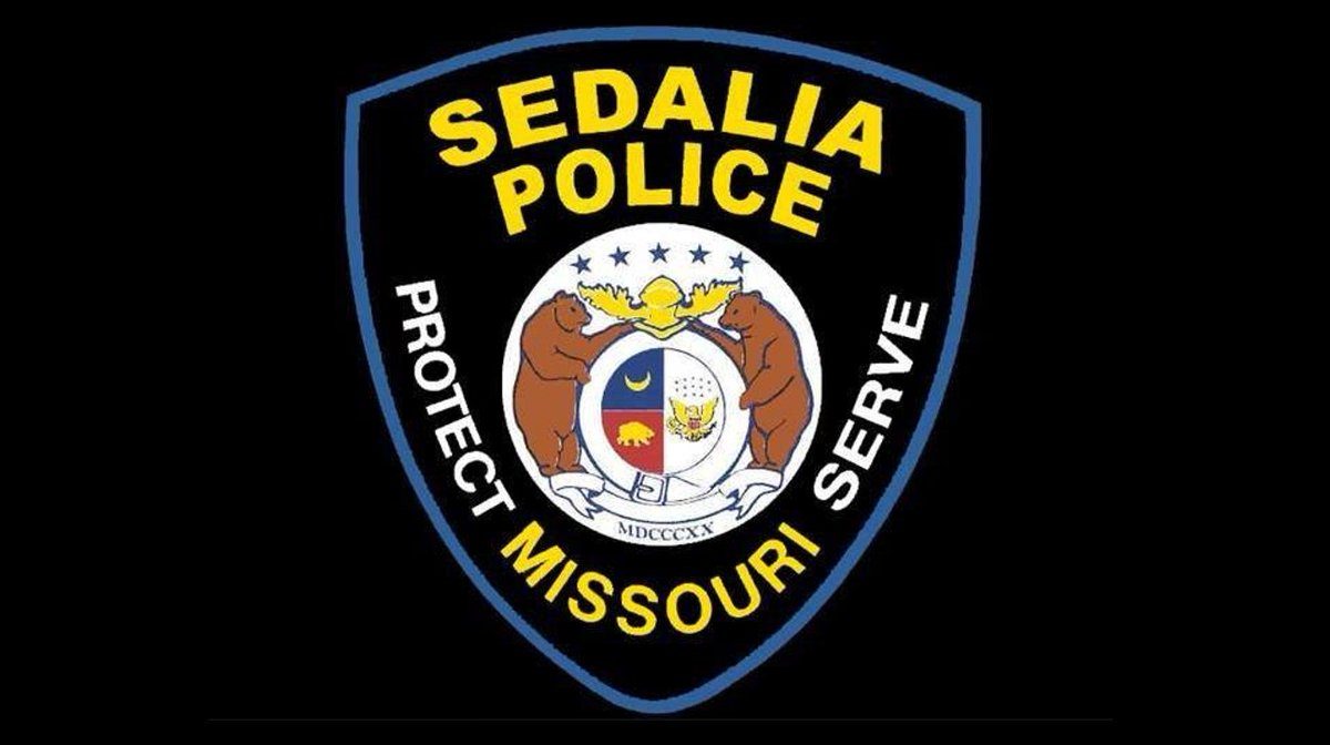 An up to $2,000 reward is being offered by Crime Stoppers in exchange for information leading to the arrest of the person(s) responsible for a Saturday homicide, the Sedalia Police Department said.   https://krcgtv.com/news/local/crime-stoppers-offers-cash-reward-for-information-on-sedalia-homicide …pic.twitter.com/iWO8doxKU8