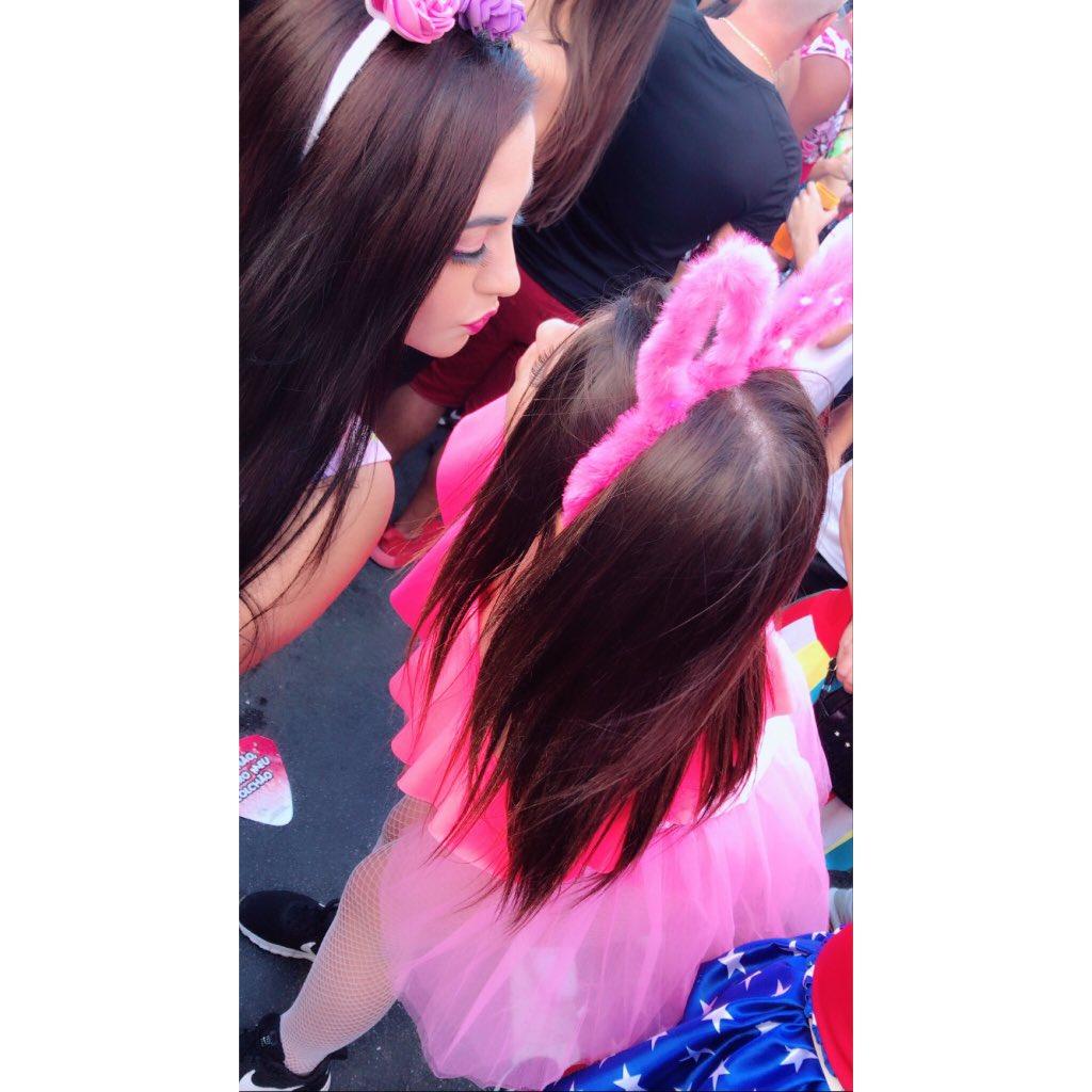 Azar é carnaval #carnaval2020 #floripamilgrau #sujosfloripa  #meunene  #amodemaispic.twitter.com/oFQzYcfnoM