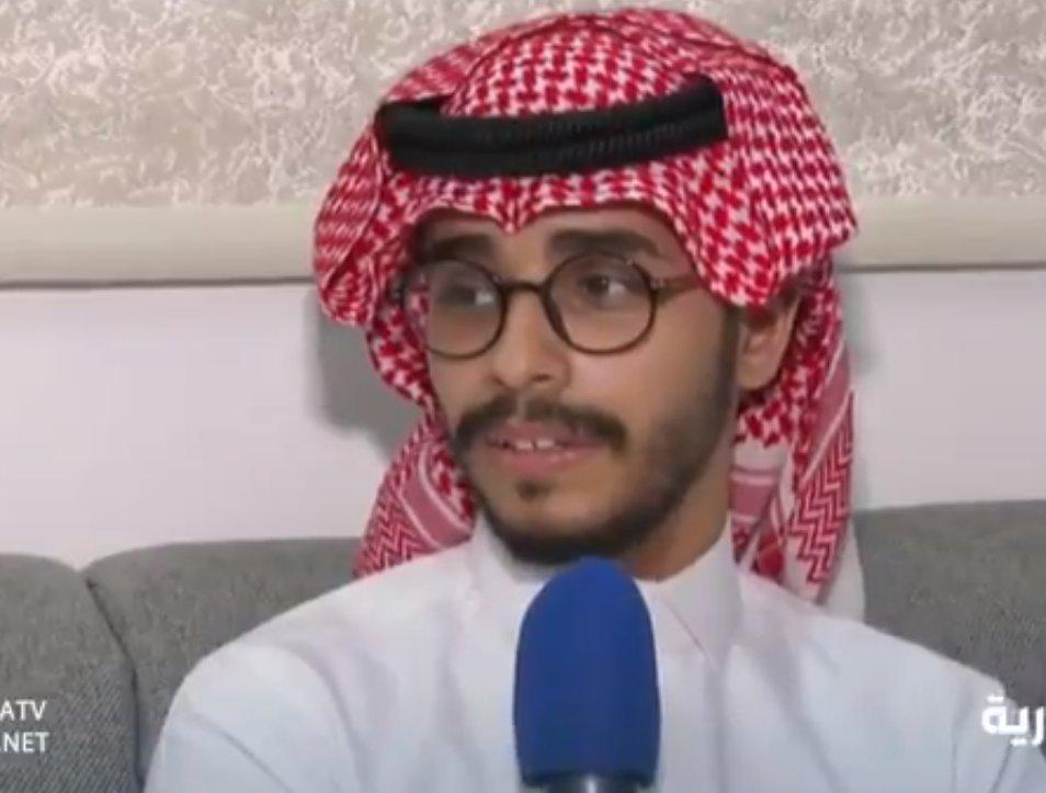 فيديو.. المختطف #يوسف_العماري يصف مشاعره بعد لقائه بأسرته لأول مرة بعد 24 عاماً  http://akh24.me/PMtH50yuYPA