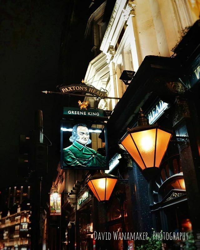 Paxton's Head is a traditional pub built in 1632. A cozy interior streched over three floors and great food. #london #pub #londonpub #londonlife #londontown #knightsbridge #travel #travelbucketlist #traveltheworld #sonya6000 #cityscene #city #thecity #gr… https://ift.tt/3a01nadpic.twitter.com/J9YuYeLrc2