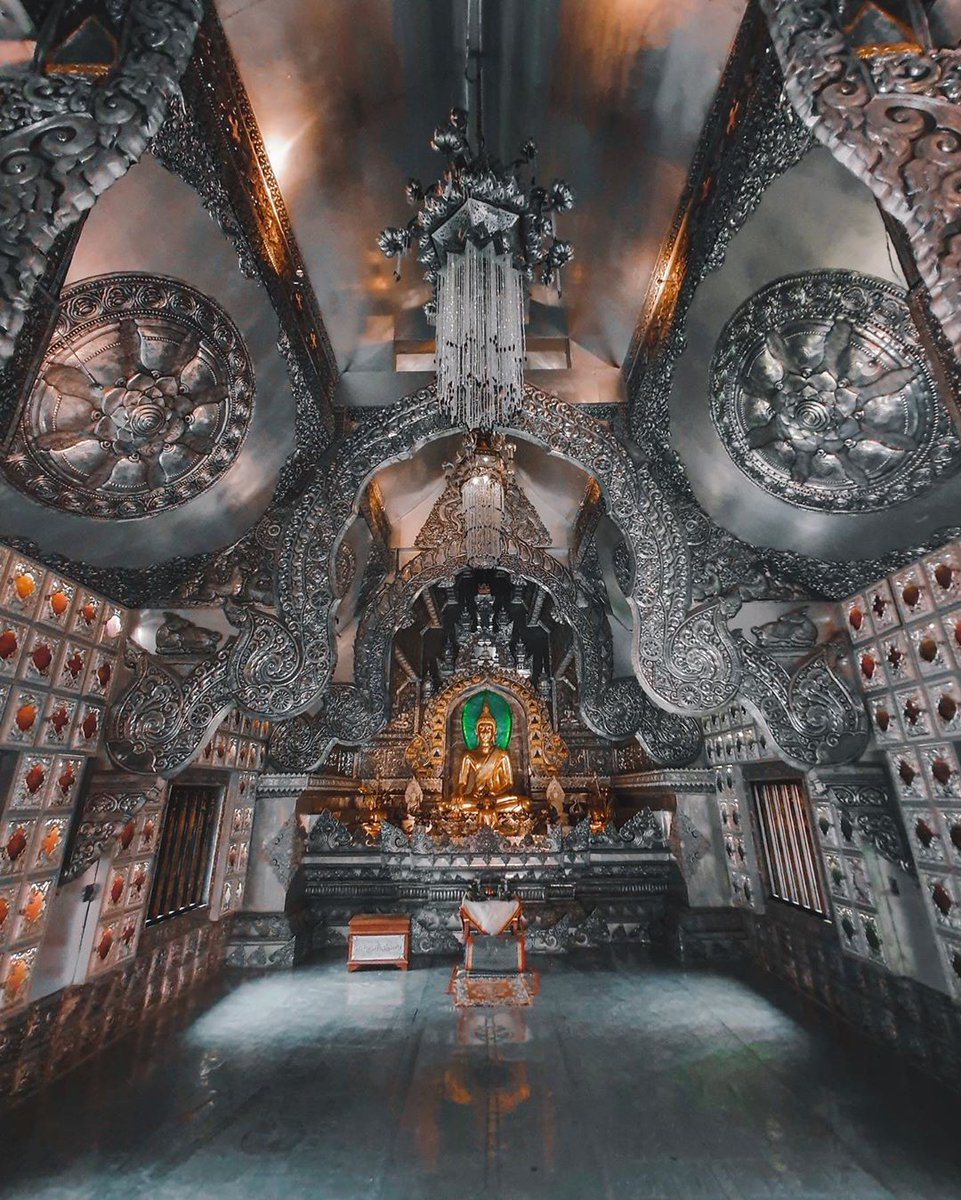▼▼Wat Sri Suphan also called The Silver Temple is truly one of the most beautiful temples in Chiang Mai. T ☛☛ Our website: http://luxurytravelvietnam.com  #luxurytravel #LuxurytravelVietnam #LuxurytravelThailand #thailand #WatSriSuphan #silvertemple pic.twitter.com/Y4ySzByxzJ