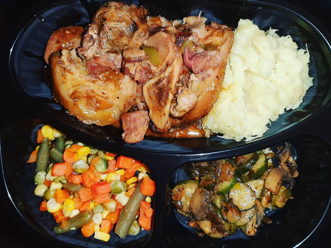 I am because you are.Please share my business on your TL my client might be there. I am a bloem batter who specializes in cooking Banting Friendly meals please support my business and help me sell these plates. Today I made 10 plates let's support each other and grow👩🍳 #KeaCupid https://t.co/NsUioNpMxU