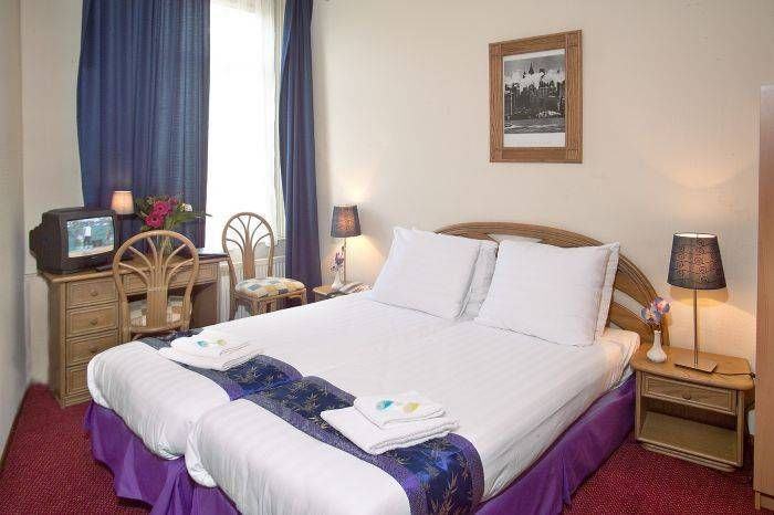 Hotel Linda is a newly renovated #hotel in the center of #Amsterdam #Netherlands #wanderlust #ttot #IWBmob #traveltheworld #travelblog #backpackers #lpchat #hotels #booknow https://www.instantworldbooking.com/Netherlands-hotels/Hotel-Linda_Amsterdam.htm…pic.twitter.com/DpltSpAO0Q