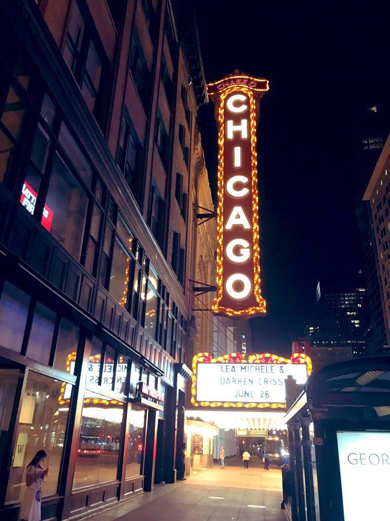 Chicago Theater, Chicago, IL USA #Chicago #chicagotheater #travelove #traveltheworld pic.twitter.com/m4z9LsxFK6