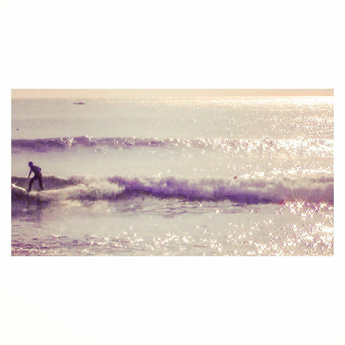 思い出が色あせるのは、  その地点から前に進んだ証  歳月の重さは思い出の重さ  One day, winter memories  2016.03. 千葉南 千歳   . #winter #memories #waves #south #いい波 #surfer #自然 #sもweekendsurfer #isafilm #youtube #1173isao  #photography #千葉  #japan