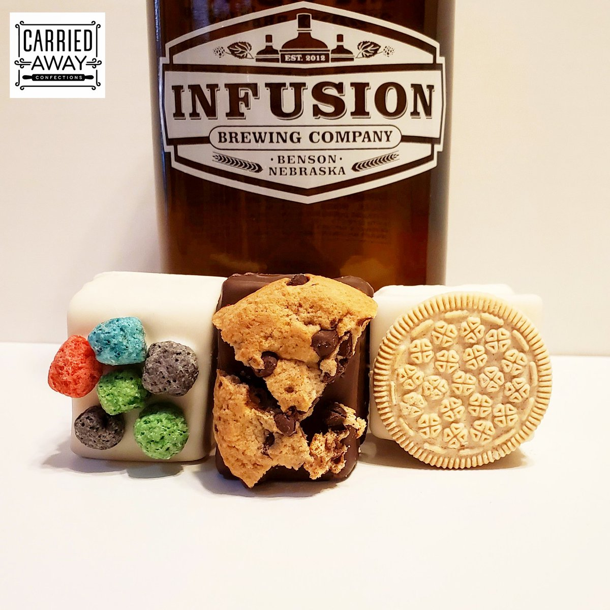 Now @InfusionBrewing #craftbeer infused #Chocolate Dipped #Marshmallows feat Vanilla Bean Blonde. #Beer infused marshmallows dipped in #whitechocolate w/ @RealCapnCrunch Crunch Berries, #chocolatechipcookies, & Golden @Oreo on top. #Omaha #Nebraska #LittleBohemia #Benson #Exit442