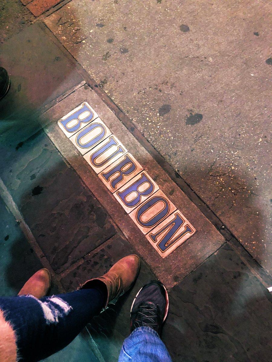 Bourbon Street, New Orleans, LA USA #travelove #traveltheworld #BourbonStreet #NewOrleans #bigeasypic.twitter.com/cVxOshWVVw