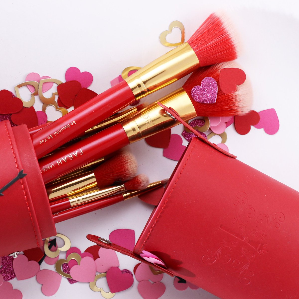 The month of love may be coming to an end, but you don't need a reason to show love any time of year. ❤️ https://farahbrushes.com/product/redsirenset/…  #farahbrushes #monthoflove #february #red  #love #valentine #luxury #siren #gold #beauty #bebeautiful #beyou #luxe #luxurylifestyle