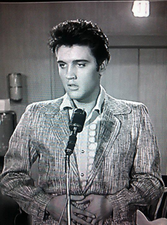 Elvis Presley. Jailhouse Rock. Vince Everett #ElvisPresley #jailhouserock #vinceeverett @ElvisPresleypic.twitter.com/DC5Ik6pxsr