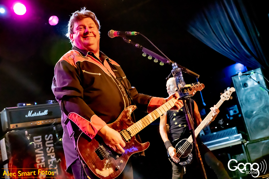 SLF + Rocks + Rust @ Metro Theatre, Sydney. Full photo gallery on GongScene music website (click on first image for a slideshow). Enjoy!  https://gongscene.com.au/stiff-little-fingers-rocks-rust-the-metro-theatre/ …  #slf #stifflittlefingers pic.twitter.com/8qoJs6KbYv