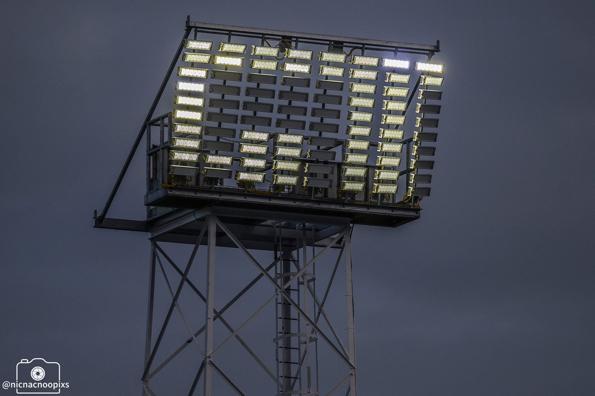 Looking forward to the long road trip to @officialgtfc today, always a great visit & we can guarantee we're always well looked after by all the guys there particularly @GTFC_SLO_DLO. My fav floodlights in the league too  Safe travels to all the travelling amber army #UTCpic.twitter.com/Oqnw1jeA6Z