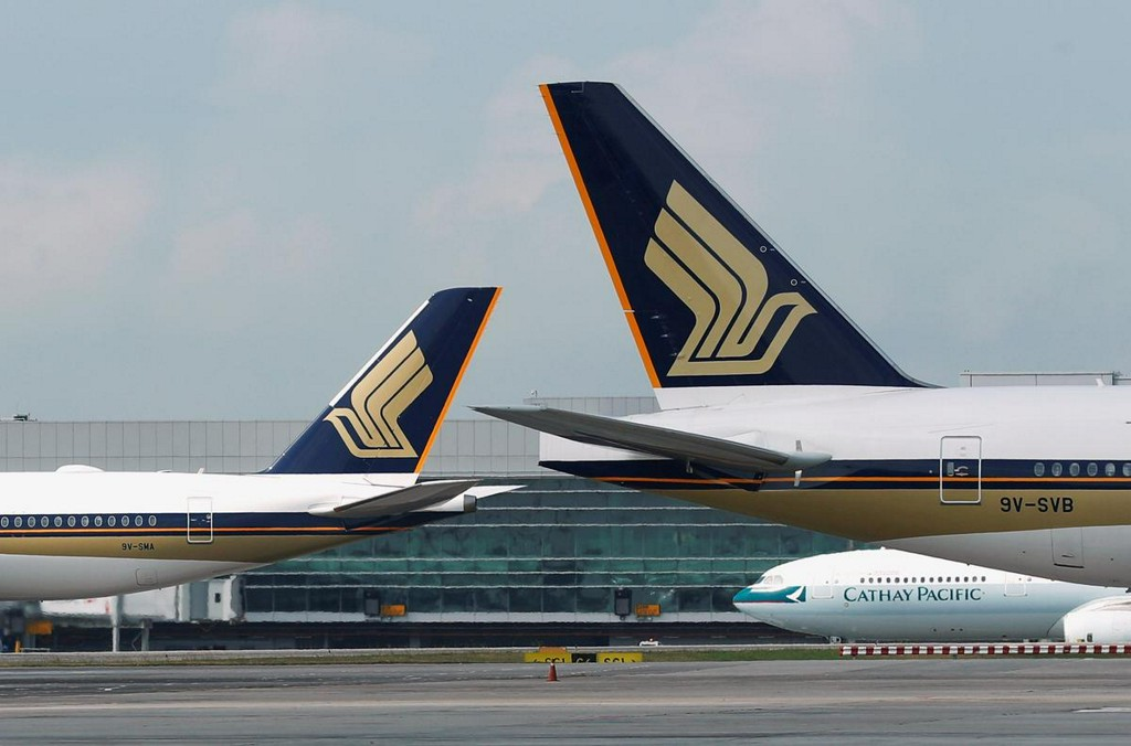 Singapore Airlines cuts capacity by 10%, freezes hiring as virus takes toll https://reut.rs/2vdM2UU