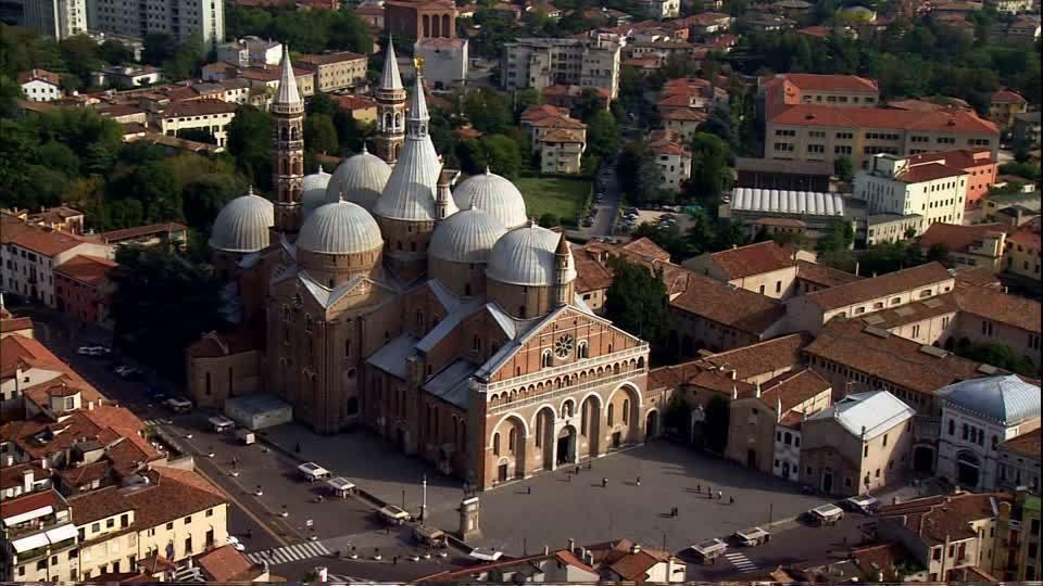 Il coronavirus ferma anche la Basilica di Sant'Ant...