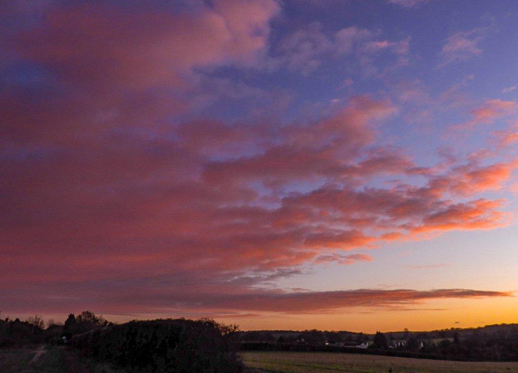 #stormhour Tuesday's pre sunrise clouds 25/2 Graveley Hertfordshire UK #POTW