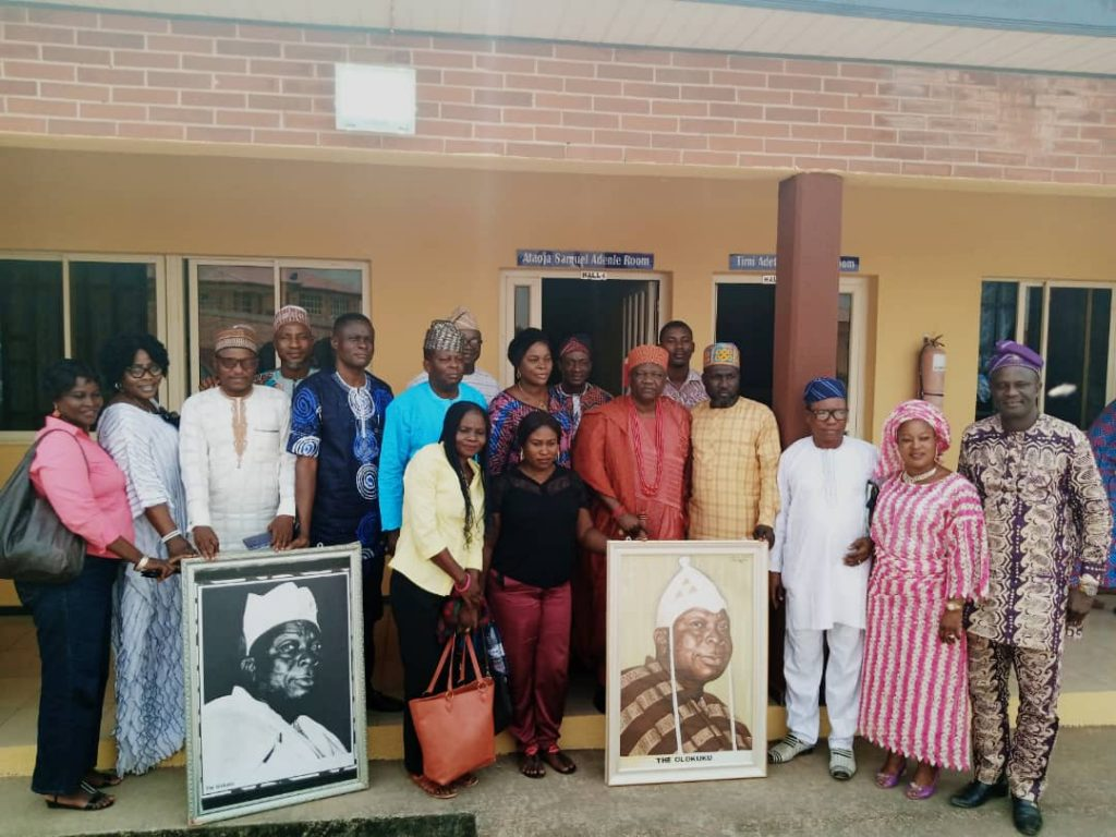 Historians, Traditional Rulers, Cultural Promoters gather to mark 60th remembrance of Olokuku Oyinlola It was a gathering of Historians, Traditional Rulers, scholars, students and other cultural promoters on Monday, February 24th at the... https://insightlinks.net/historians-traditional-rulers-cultural-promoters-gather-to-mark-60th-remembrance-of-olokuku-oyinlola/ …pic.twitter.com/CWHs7RP4VJ
