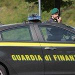 Image for the Tweet beginning: Droga: scoperta banda narcotrafficanti, 11