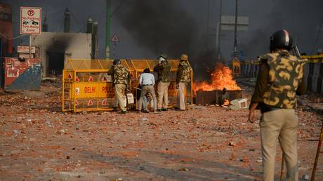 'Situation very tense': Death toll in Delhi CAA law clashes jumps to 7 as Trumparrives https://realreport.eu/2020/02/24/situation-very-tense-death-toll-in-delhi-caa-law-clashes-jumps-to-7-as-trump-arrives/…pic.twitter.com/6tLiO0uWws