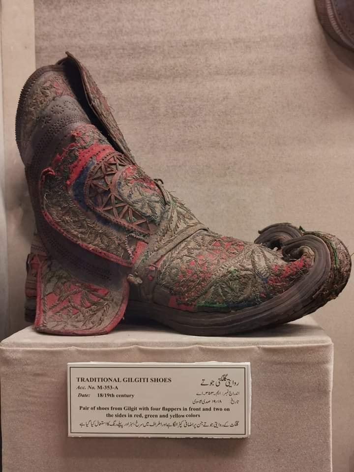 ❤️ Xahid Ali Hunzai Traditional Gilgiti shoe made in 18/19 century  ##Pakistan #Travel_Pakistan #Travelling_in_Pakistan #PakistanZindabad #Pakistan_Zindabad #Skardu #Baltistan #Gilgit #Gilgit_Baltistan #Shoes #Tradition #Art #Artist #BEautiful_art