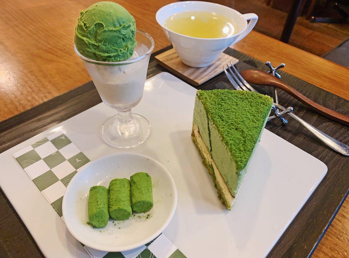 【茶茶の間】@東京:表参道駅から徒歩6分抹茶スイーツ尽くしの「抹茶ちゃ」プレートを食べられる日本茶専門店。自家製抹茶スイーツは日本茶に合うように素材にもこだわった贅沢な逸品!濃厚な抹茶チーズケーキをメインに、西尾産最高級抹茶使用の抹茶生チョコ&抹茶アイスも同時に味わえます✨