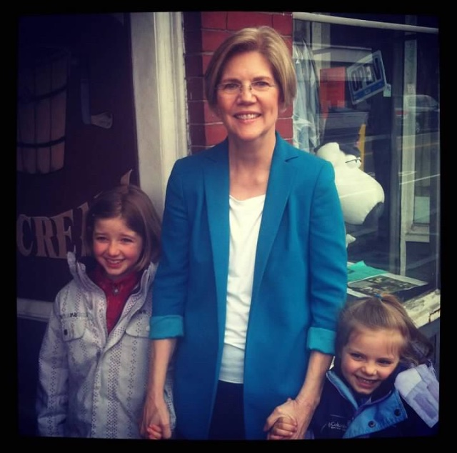 In 2012 @ewarren ran for Senate and we met her 2x in #Dorchester. Pinky promises were shared all around. Now these two girls are on the doors and phone for #PresidentWarren. #warrenselfiestories #OurSenatorCanBeOurPresident #ElectWomen #mapoli