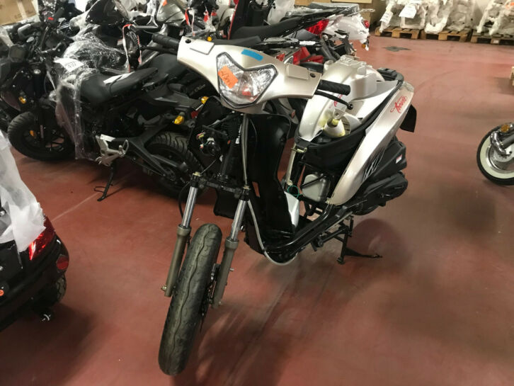 Core Bikes Trevis Luxxon 125 Roller Bastler Bastlerfahrzeug #Core   http://bit.ly/32w8vJ1   Trevis 125 Luxxon,