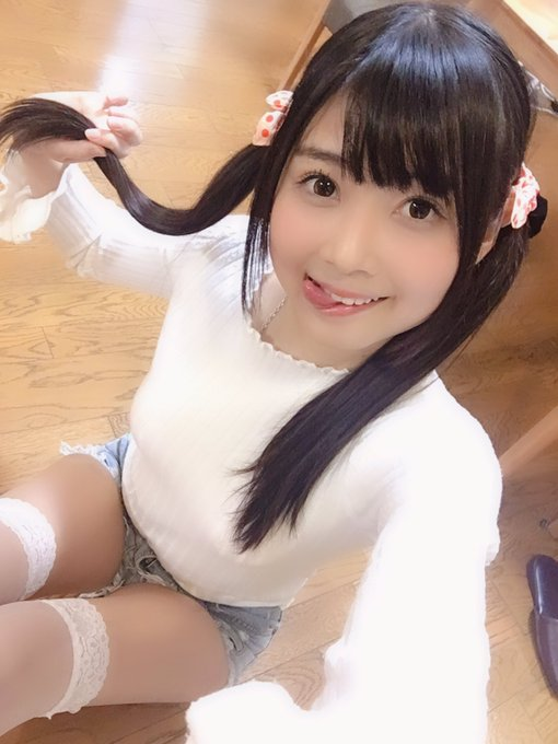 AV女優山井すずのTwitter自撮りエロ画像27