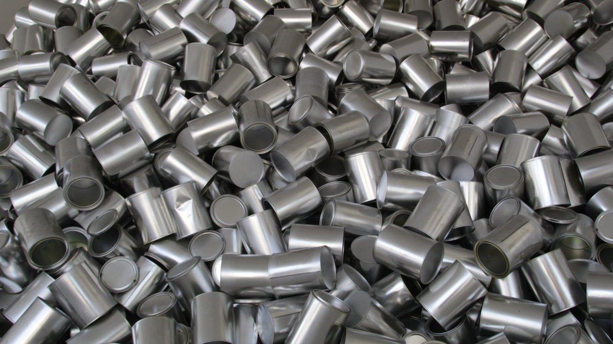 #Aluminium  is very used to produce #kitchenware , because it is light, insulating, and preserve food without modifying its aroma or taste. #industry