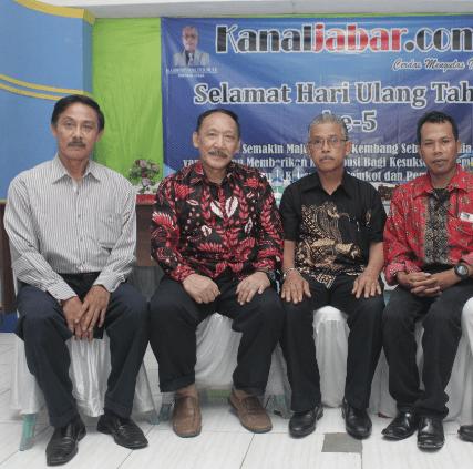 Ibu Kota Negara Pindah, Ratusan Hotel di Bogor Terancam GulungTikar http://kanaljabar.com/ibu-kota-negara-pindah-ratusan-hotel-di-bogor-terancam-gulung-tikar/…pic.twitter.com/N4aLy6ca1u