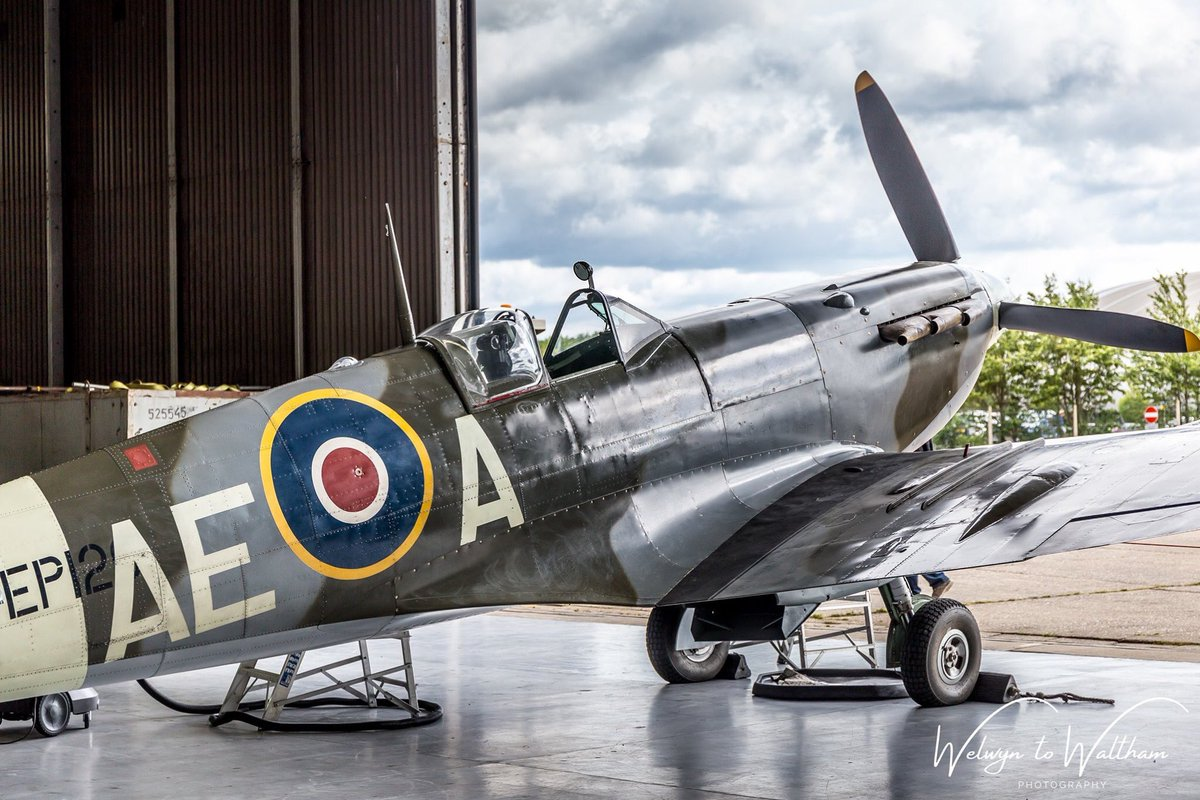 Supermarine Spitfire Mk. Vb EP120 in the hangar at Duxford during the 'Daks Over Duxford' event last June @TFCDuxford @SocietySpitfire @ww2spitfire @LoveWW2Planes @IWMDuxford_ @IWMDuxford @DuxfordAirshows #Spitfires #avgeeks #DDay #daks #daksovernormandy https://t.co/HV0sx1TLnh