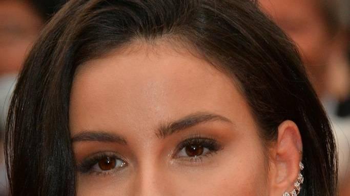 Sängerin Lena Meyer-Landrut zeigt sich strahlend schön auf Instagram und richtet zugleich eine wichtige Botschaft an alle ihre Fans. https://www.gala.de/beauty-fashion/beauty/lena-meyer-landrut--besondere-botschaft-von-der-saengerin-22231642.html?utm_campaign=beauty%2526fashion&utm_medium=referral&utm_source=t.co…pic.twitter.com/UopAkL64lp