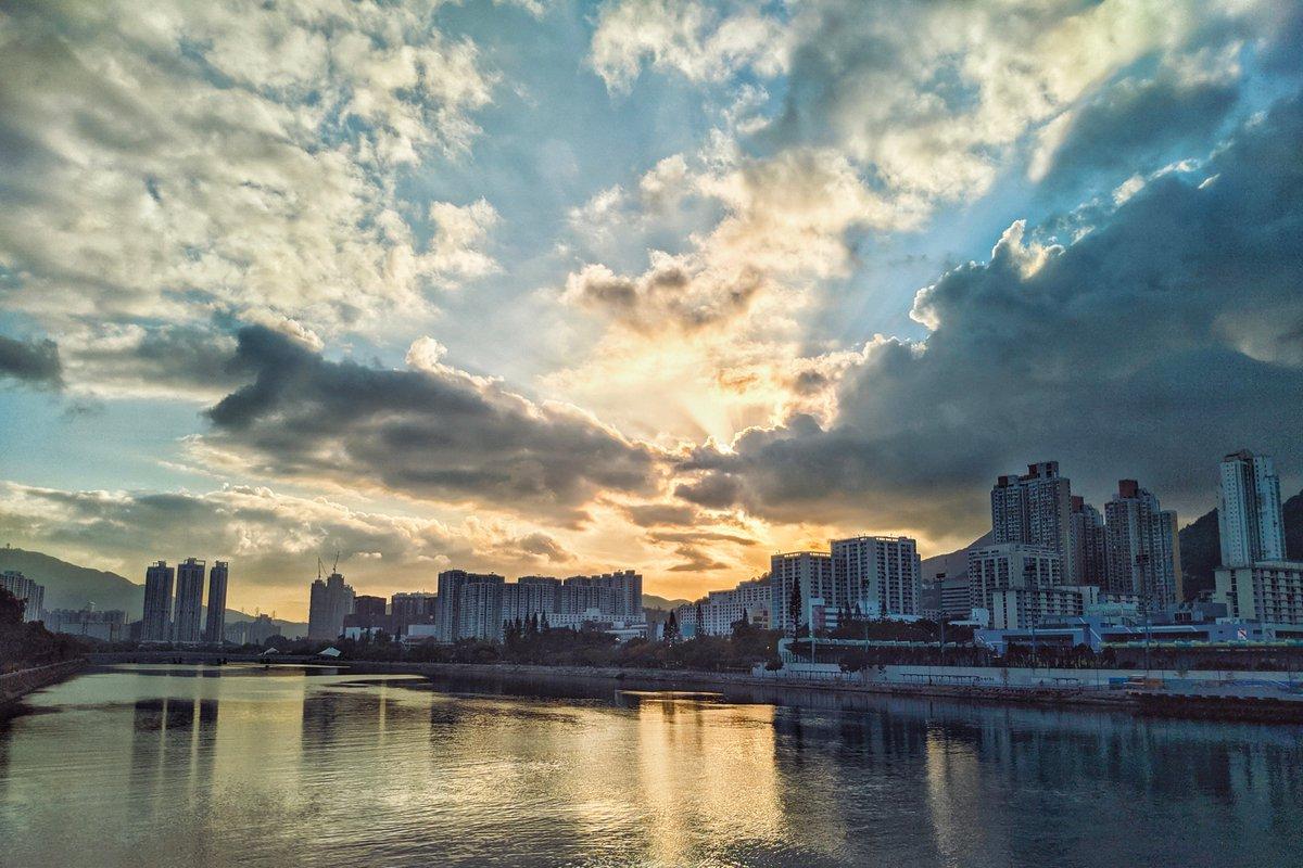 終於享受到彈性上班既好處  #城門河 #青空 #藍天 #夕陽 #沙田 #Shingmunriver #Shatin #snapseed #gcam #streetphotography #asuszenfonemaxprom1pic.twitter.com/QiAPX5VO3c