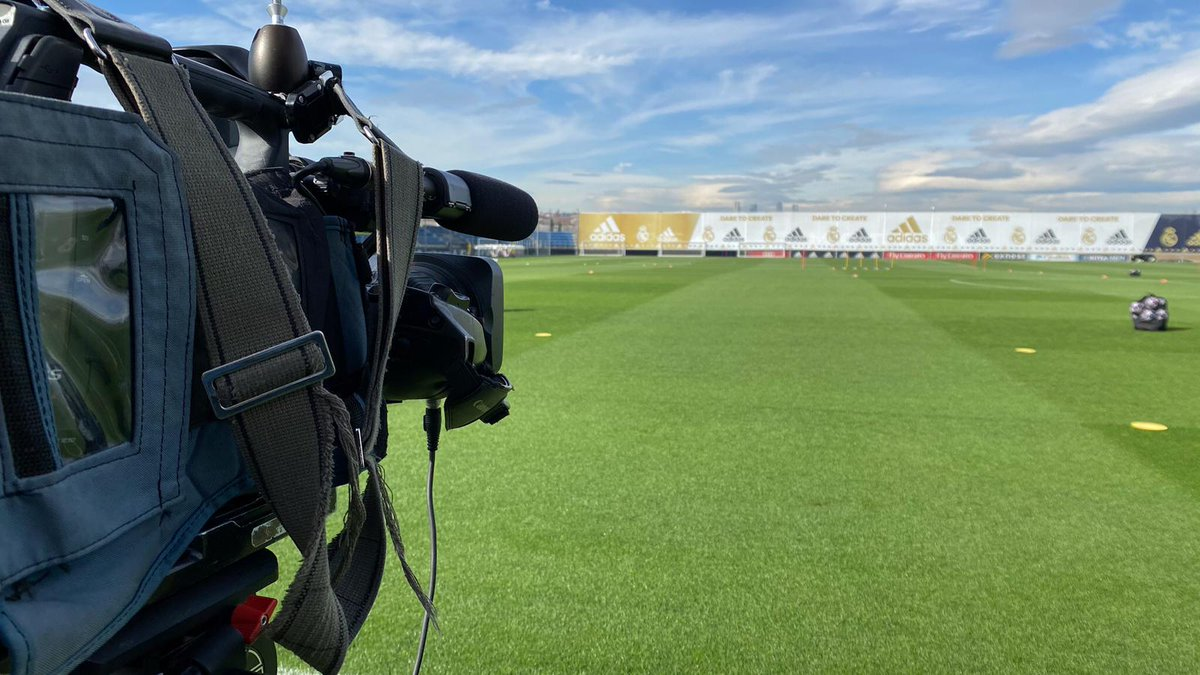 🎥👀 All eyes on #RMCity! 🔴 Live training coming soon! #RMUCL