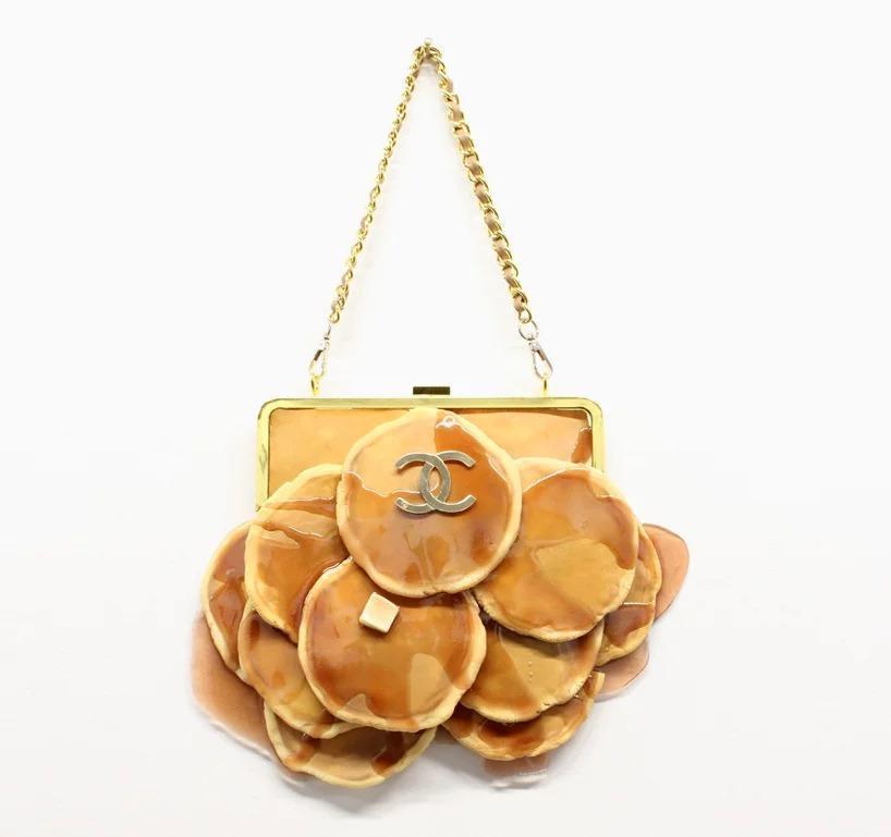 It's pancake day, let's get it 🍽🥞 (pancake purse by @chloewise_)