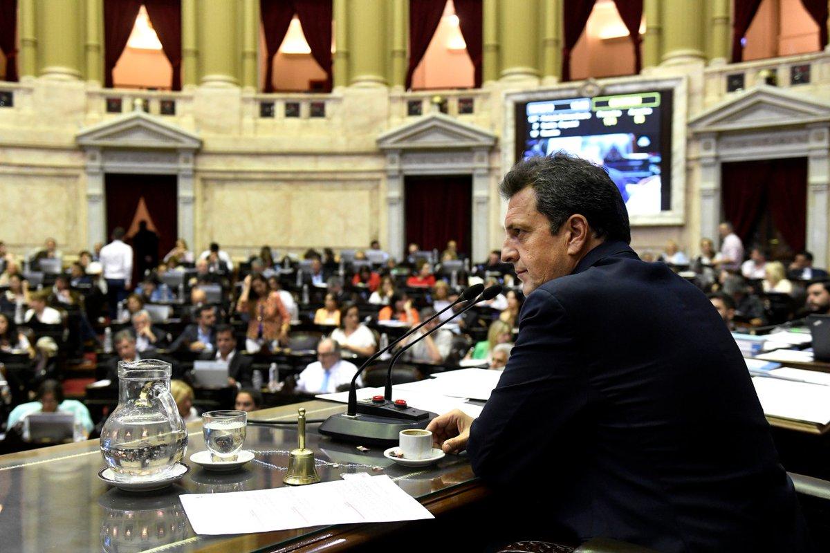 - @DiputadosAR debatirá las jubilaciones y pensiones de privilegio #Discusión #Chispazos https://bit.ly/2PpaE3Ppic.twitter.com/7gm1XDpKig