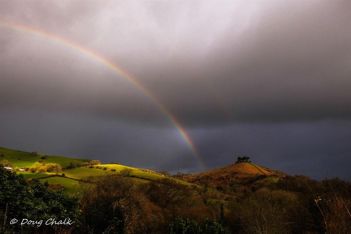 Fantastic start to the day at Colmer's Hill Dorset this morning! All over within 2 minutes! 25/02/2020 @DorsetAONB @Dorset_Live @ThePhotoHour #StormHour #POTW @goDorset @bridportholida1 @BridportNewsJen @LensAreLive @GoldenAcreUK @colmershill @Symondsbury @bhbridport