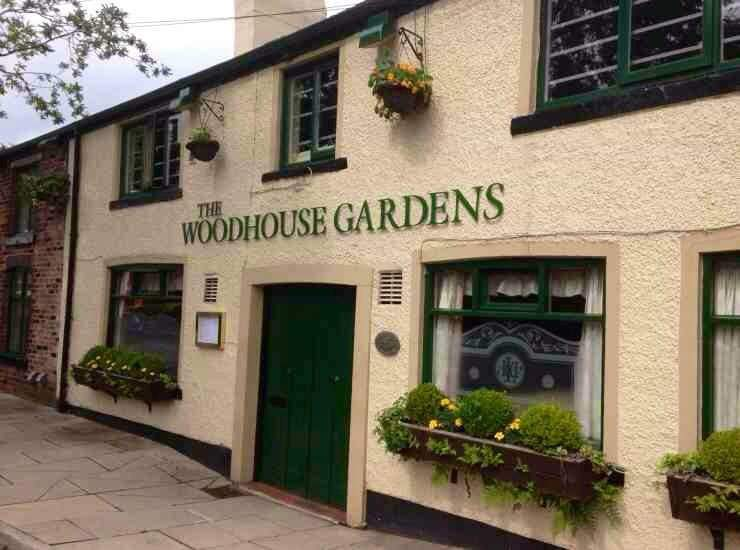 I arrived early to set-up ready to cover Fanny Ward's (@FrannyWard1) #QuizNight at Woodhouse Gardens (@WGARDENS1). I ordered & throughly enjoyed their Leek & Onion soup and also their Chicken Liver Pate & Toast all topped off with a great cup of Coffee #HighlyRecommended  <br>http://pic.twitter.com/75zGaZ0rP0