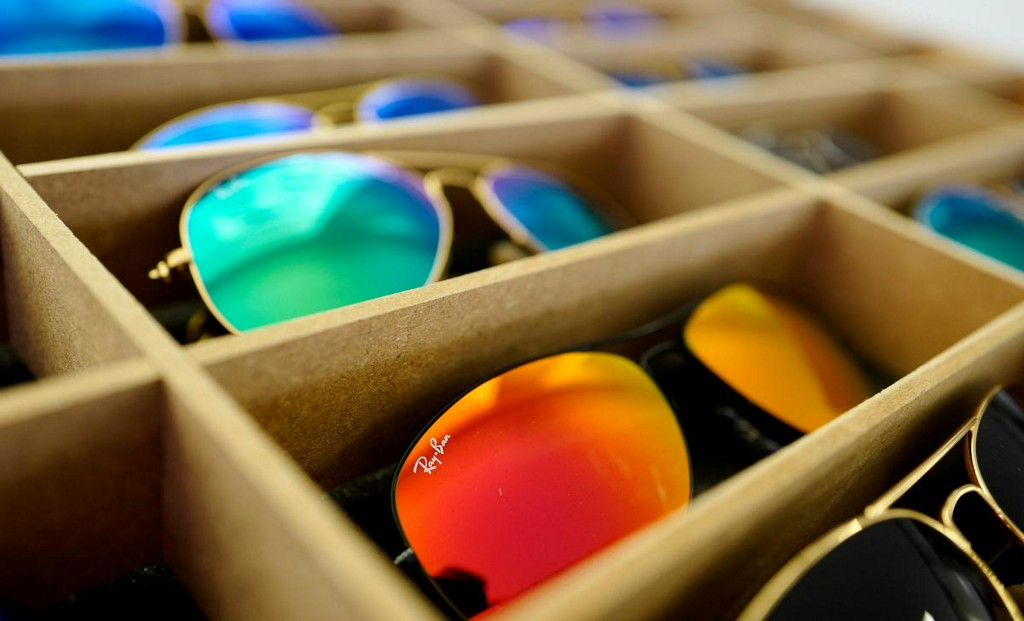 EU extends EssilorLuxottica, GrandVision antitrust investigation to July 6 https://reut.rs/2VlFAWo